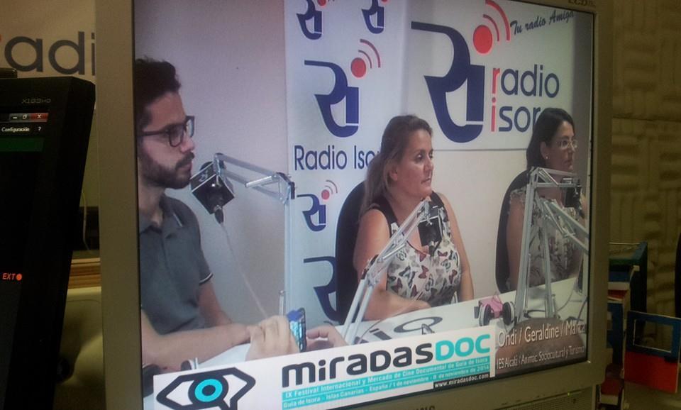 [Vídeo] Los alumnos del IES Alcalá valoran la formación recibida en la grabación del documental 'Guía- me desde tus recuerdos', que estrenan el viernes
