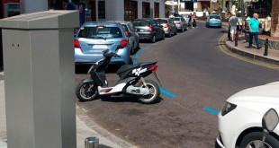 Parquímetro-ubicado-en-la-plaza-de-la-Buganvilla-de-Los-Gigantes-DAST