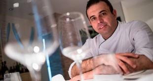 El Chef Juan Carlos Padrón en su restaurante de Los Gigantes